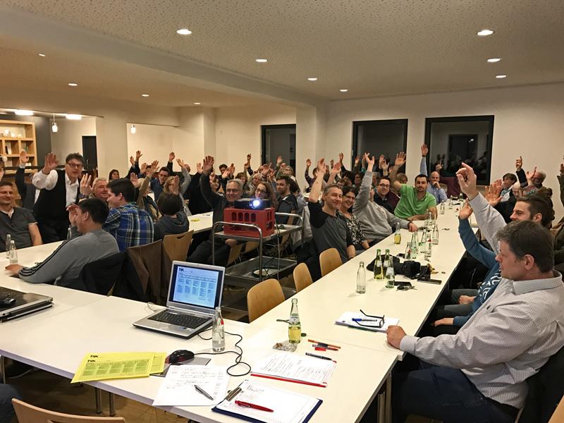 Blick in die mit über 60 Mitgliedern sehr gut besuchte Jahreshauptversammlung 2017